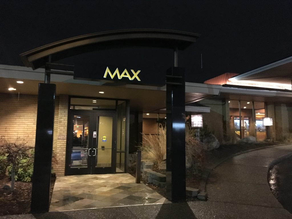 MAX at Mirabeau Hotel and Convention Center